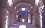 12 - Trani. Interno chiesa san Martino . Attualmente la chiesa si articola in tre navate divise da pilastri, ma tale sistemazione è frutto di interventi che si sono succeduti in età medievale.