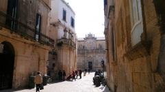 41 - Lecce. Piazza del Duomo da Via Palmieri