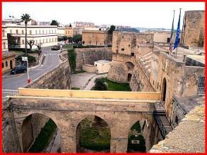 37 - Brindisi castello Svevo o di terra.