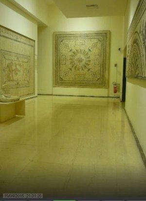 133 - - Una delle sale dei mosaici