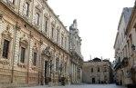 25 - Lecce. Il palazzo dei Celestini adiacente alla basilica.
