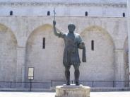 36 -Il Colosso Eraclio e la Basilica del Santo Sepolcro barletta