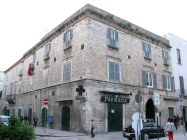 40 -Palazzo Lambert di Trani- Il palazzo Lambert già Palagano, venne costruito nel 1420 in un punto strategico della citta vecchia in piazza Portanova in un momento di grande ripresa economica e di benes