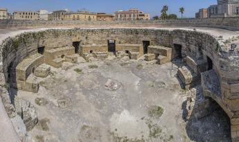 25 -Cortile - Castello Aragonese di Taranto
