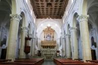 13 - Andria – Santuario della Madonna dei Miracoli. Il complesso monumentale del santuario di Santa Maria dei Miracoli ospita l'icona della Madonna con il Bambino, alla quale si lega la storia di un miracolo