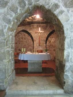 47 - Barletta. Convento francescano. Per i pellegrini cattolici attraverso il convento si raggiunge la sala dei Crociati dove è possibile celebrare la Santa Messa.