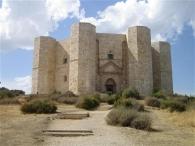 47 - Andria. Il Castello è stato dichiarato Patrimonio Mondiale dell'Umanità dall'UNESCO nel 1996, ed è uno dei castelli medievali meglio conservati in tutta l'Italia meridionale.