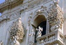 132 -Lecce. Facciata della chiesa del Rosario o di San Giovanni Battista, dettaglio.