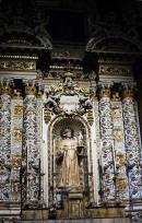 """86 -Lecce. Il Duomo.Dettagli. Statua, """"Sant'Antonio da Padova e Gesù Bambino"""", legno scolpito, dipinto. Datazione: terzo quarto XVII secolo. Autore: bottega dell'Italia meridionale"""