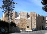 23 - Brindisi (bastione San Giacomo) Il Bastione di san Giacomo è uno dei quattro baluardi difensivi della città, costruiti tra la seconda metà del XIV secolo e i primi decenni del secolo successivo e pervenuti fino ad oggi. Il bastione è di proprietà comunale e viene impiegato come sede per mostre e conferenze.