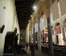 52 -Taranto. Le Navate interne del Duomo.