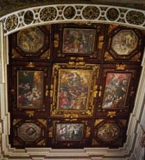 96 - Lecce. Il Duomo. Soffitto a lacunari con episodi della vita di Maria Vergine e i simboli della città.