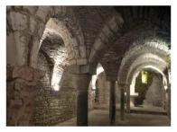 25 - Andria__cripta_della_cattedrale_o_chiesa_di_san_pietro. All'interno sono custodite le reliquie di San Riccardo,la Sacra Spina di Gesù e le mogli di Federico II, Jolanda di Brienne ed Isabella d'Inghilterra