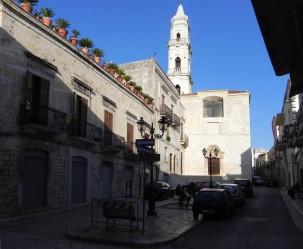 28 - Andria . La Piazzetta_Manfredi-davanti aSan Domenico
