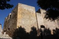 25 - Brindisi. Bastione . Il lato nord del torrione visto dal piano esterno inferiore (via Bastioni S.Giacomo)