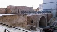 18 -Brindisi. La Porta dal lato interno alla cinta muraria. Su entrambi i lati all'interno del tunnel d'ingresso sorgevano ambienti utilizzati per esigenze militari e difensive, locali che attualmente vengono utilizzati per eventi e mostre.