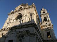 28- Foggia,_Cattedrale Beata Maria Vergine Assunta in cielo con vrduta campanile.