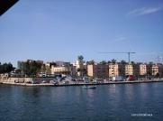 9 -Parte della città vecchia (dal Mar Piccolo)