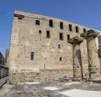 43 -Taranto. I ruderi del tempio, situati in Piazza Castello, erano inglobati nella Chiesa della SS. Trinità, nel cortile dell'Oratorio dei Trinitari, nella Casa Mastronuzzi e nel Convento dei Celestini.