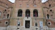 33 -Foggia,_Facciata del Municipio Il palazzo di città,