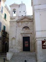 44 - Trani. Chiesa di San Donato L'edificio probabilmente del XV sec., ristrutturato nel 1874 dopo il crollo del soffitto.