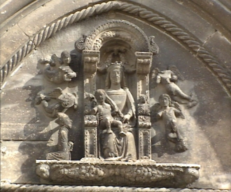 16 -Ostuni. Cattedrale, la lunetta sul portale, particolare