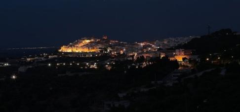 2 - Ostuni. Panorama, le luci della città bianca.