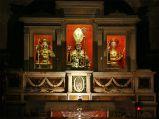 21 - Bisceglie.Le reliquie dei tre Santi nella cripta della Cattedrale