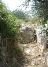 60 - Bisceglie_dolmen_Albarosa_Rispetto agli altri dolmen presenti nell'agro biscegliese, sorge a poco più di 1 km dal Dolmen della Chianca e a circa 1.2 km dal Dolmen Frisari.