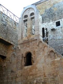 30 -Interno del castello a Bisceglie, Chiesetta particolare