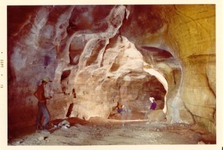 59 - Bisceglie. Interno della Grotta durante gli scavi del 1973 ad opera del Gruppo Speleologico