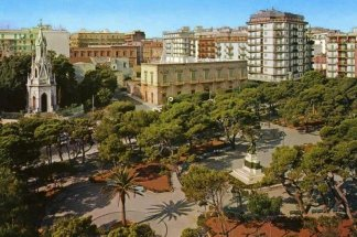 33 -Molfetta_-_Villa comunale_Giuseppe Garibaldi.