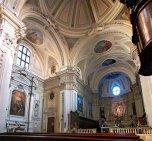 46 -Molfetta, Cattedrale. L'interno della chiesa è a croce latina, con volta a botte lunettata affrescata nel 1887 dal pittore molfettese Michele Romano.