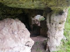 106 -Fasano. Interno di una grotta – abitazione, particolare.