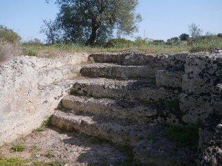 104 -Scala intagliata nella roccia