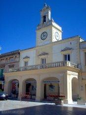 11 -Fasano - Piazza Ciaia. L' Orologio