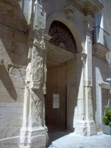 7 -Fasano. Arco del Balì, antico accesso del Palazzo.