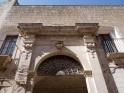 8 - Fasano - L'arco del Balì. Uno degli ingressi al palazzo sede del Balì dettaglio.