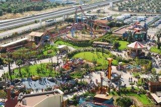 70 -Molfetta. Miragica, il parco dei divertimenti di Molfetta Bari, vi aspetta con attrazioni per grandi e per bambini.