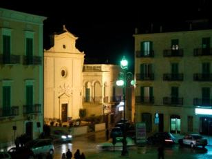 12 - Fasano. Chiesetta di San Nicola in piazza Ciaia.