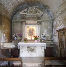 43 -Fasano. Chiesetta Madonna delle Grazie, interno.