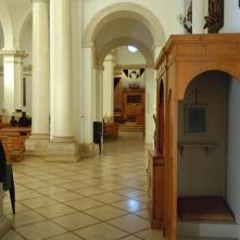 50 - Fasano. Chiesa di Sant'Antonio abate, interno.