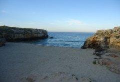 66 -Porto Verde. Una caletta nascosta da due pareti rocciose.