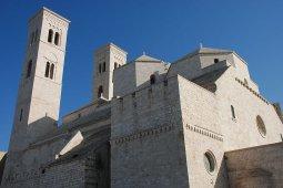 10 -Il Duomo di San Corrado.-Cattedrale_di_Molfetta
