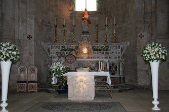 16 _Molfetta_Duomo. L'altare maggiore barocco-