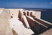 15 -Castello, cortile interno e passo di ronda.