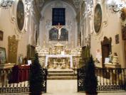 55 - Fasano. Chiesa del Purgatorio interno dettagli. Nel 1776, infine, verranno commissionate le nuove tele da collocare sugli altari laterali, raffiguranti, rispettivamente, s. Michele Arcangelo, s. Nicola da Tolentino e la Madonna del Suffragio.