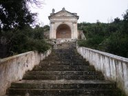 77 - Ostuni. Santuario di Santo Oronzo. La scalinata che porta al fonte miracoloso