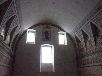71 - Ostuni, interno del Santuario diSant'Oronzo. Sulla finestra centrale della controfacciata è affrescata l'Immacolata