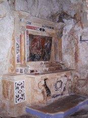 65 - Ostuni, interno del Santuario diSant'Oronzo. particolare della grotta.
